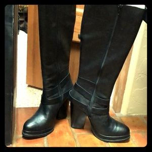 Seychelles knee high black leather boots, Size 9.